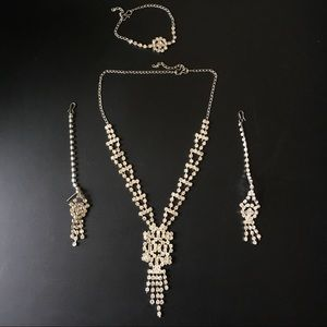 Jewelry - NEW Crystals Necklace, Bracelet and Earrings Set